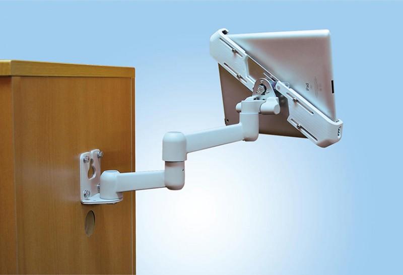 タブレット搭載用3軸タイプ パネル取付型 並行移動式アーム